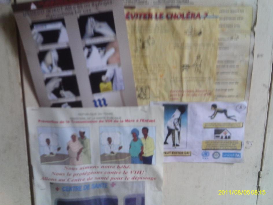 Affichage dans un centre de santé à Lai, Tchad. Source : Estelle Kouokam Magne, 2011